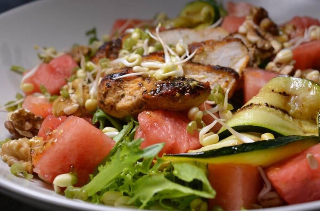 Raikas lämmin salaatti